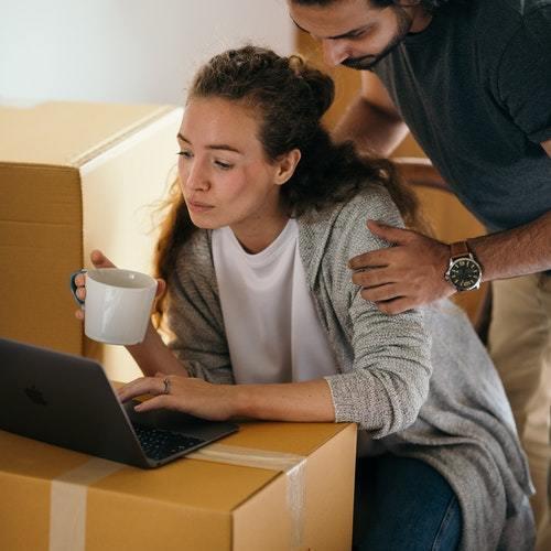 Hvordan sender og modtager du pakker?